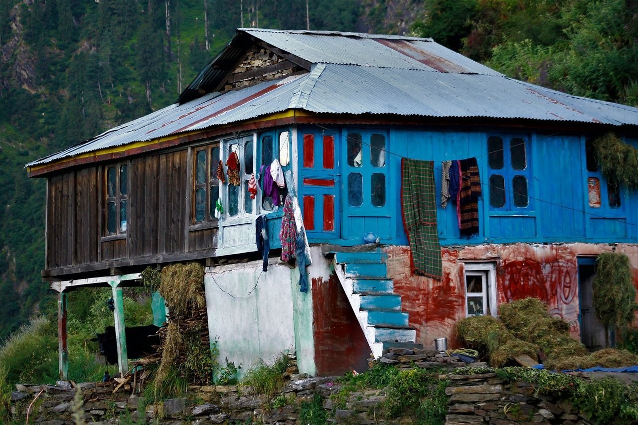 Architecture Building Exterior Built Structure Day Malana Magic Valley MALANA VILLAGE Nature No People Old House Outdoors Tree The Architect - 2017 EyeEm Awards
