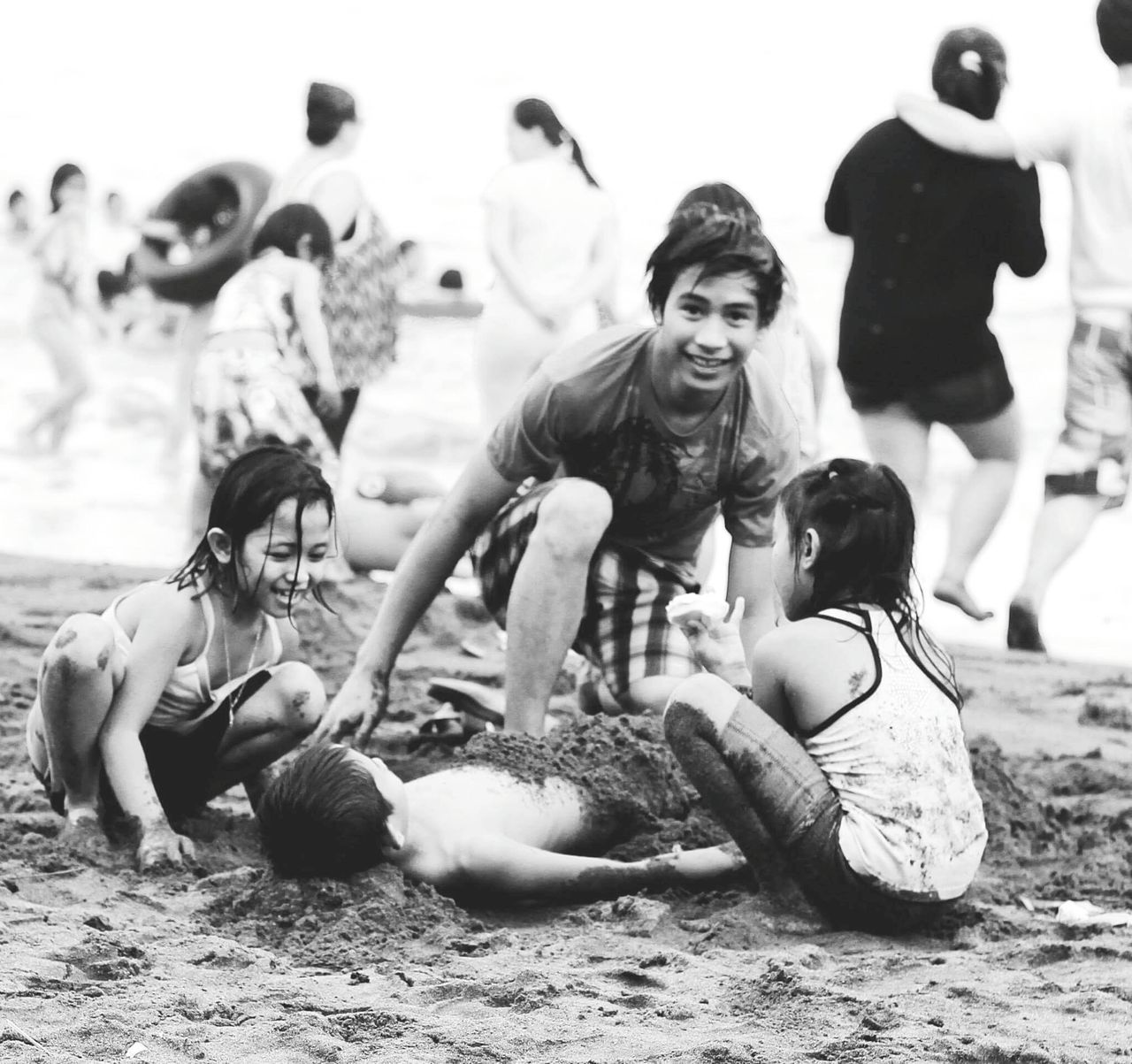 Kids Enjoying Life at the Beach of Real in Quezon Province 😎🌴 Taking Photos Relaxing Black And White Photography Candid Photography Beach Bummin Travel Photography Fresh On Eyeem  People Of The Oceans Outdoor Philippines Island Life Outdoor Photography Feel The Journey Original Experiences Eyeem Philippines