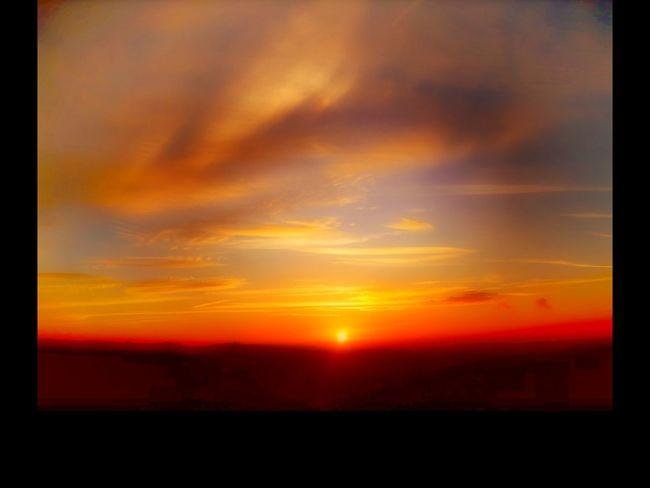 Sunset EyeEm Best Shots - Landscape The Art Of Photography Landscape_photography Creative Light Sunset #sun #clouds #skylovers #skyporn #sky #beautiful #sunset #clouds And Sky #beach #sun _collection #sunst And Clouds Landscape #clouds Coloursplash Countryside Views