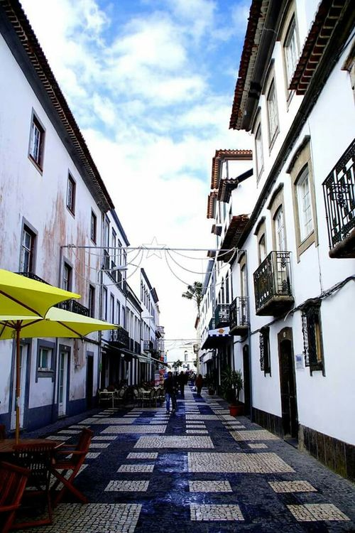 Narrow Streets. Pontadelgada Narrow Street Cafe Time Goodday Enjoying Life Azores, S. Miguel Relaxing