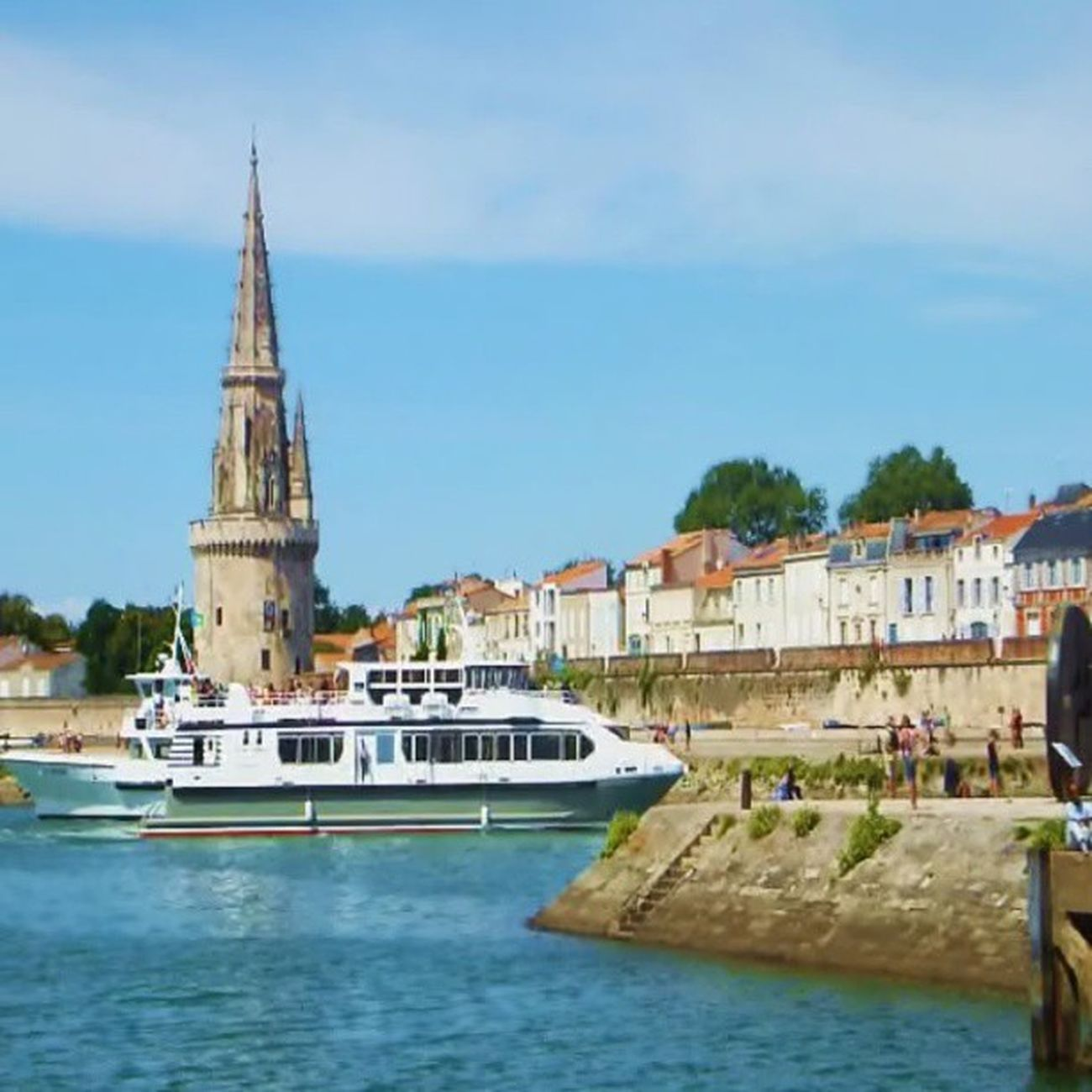 Port de la rochelle #igersfrance #igersfrancevideo Tribegram_video Perfectvideo Video Videooftheday Larochelle Myfirstvideo Videoclip Videogramoftheday Igersfrance Insta_pick_video Videoinstagram Gi_video Instagramvideo Hubvideo Videogram Global_views_videoshot Igvideo Instavideo Jj_creative Poitoucharentes Igersfrancevideo Worldvideos Insta_globalvideo