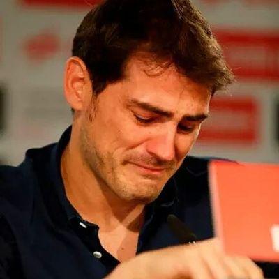 💔💔:-( Captain - Leader - Legend - Great Human Unavida GraciasCasillas IkerCasillas Iker_casillas capitano sancasillas thanksiker graciascapi