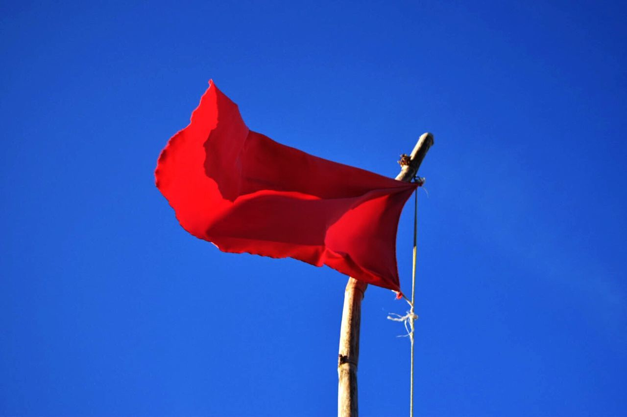 Red Flag Red Red Flags Rouge Rojo Bandera Tregua Sky Contrasting Colors Blue Clear Sky Low Angle View Flag No People Patriotism Day Outdoors Redandblue Hotandcold