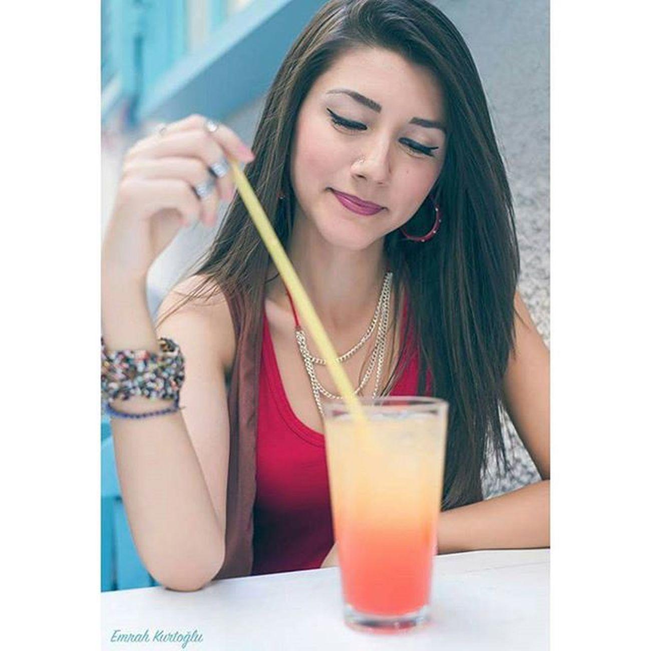 Kokteylden daha renkli bir kız benim modelim :) Model Girl Teen Young Turkish Aydin Izmir Güzel Beauty Portre Portrait Instagood Igers Follow Colorful Lovely Happy Smile Alacati EmrahKurtoglu