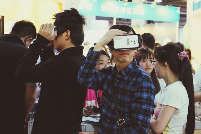聽說是今年最夯的VR The Street Photographer - 2016 EyeEm Awards The View And The Spirit Of Taiwan 台灣景 台灣情 Streetphotography People Taking Photos Landscape Photography Human Meets Technology My Favorite Photo