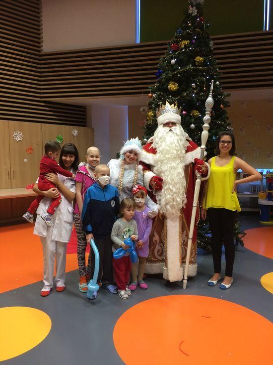 К нам в больницу приехал Дед Мороз)))