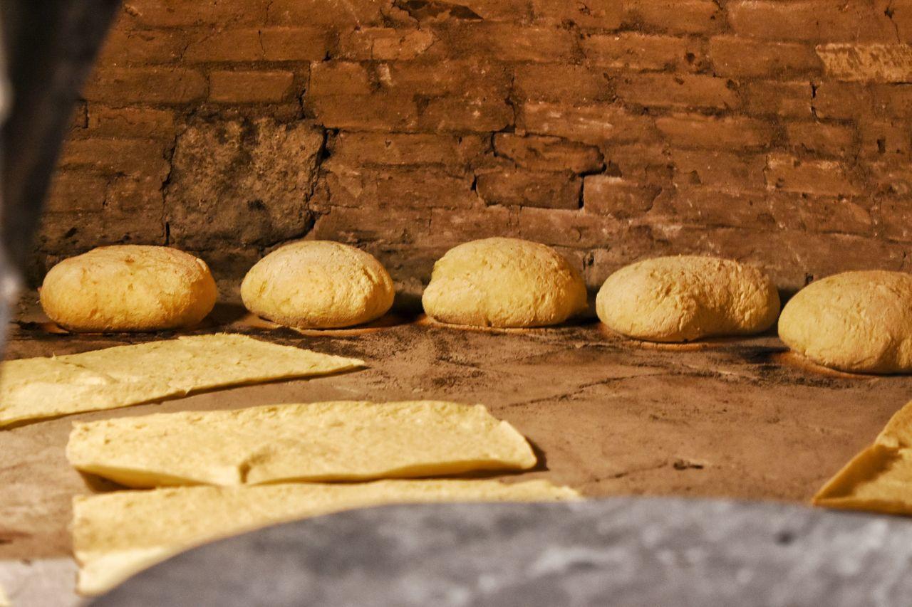 Àtera alluta de forru Food Close-up No People Sardinia Sardegna Sardinian Food Meal Bread Pistoccu Moddissosu Sardinia Is Not Italy Sardiniaexperience Warm