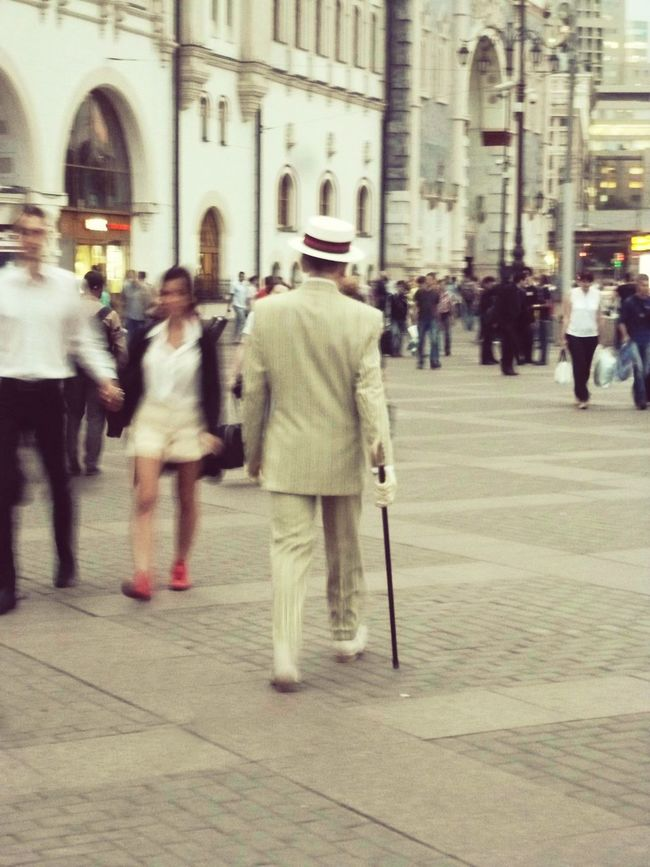 Man from another century. City City Life Men Street Walking Lifestyles On The Move Alien Moscow, Москва Moscow Lifephoto  Lifemoments Man Another Century Old