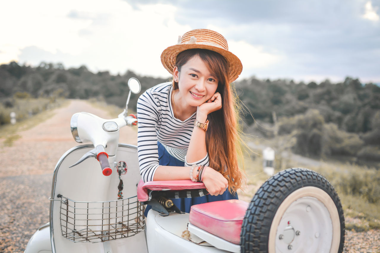 Buatiful Holiday Nature One Person Travel Variation Vespa Women