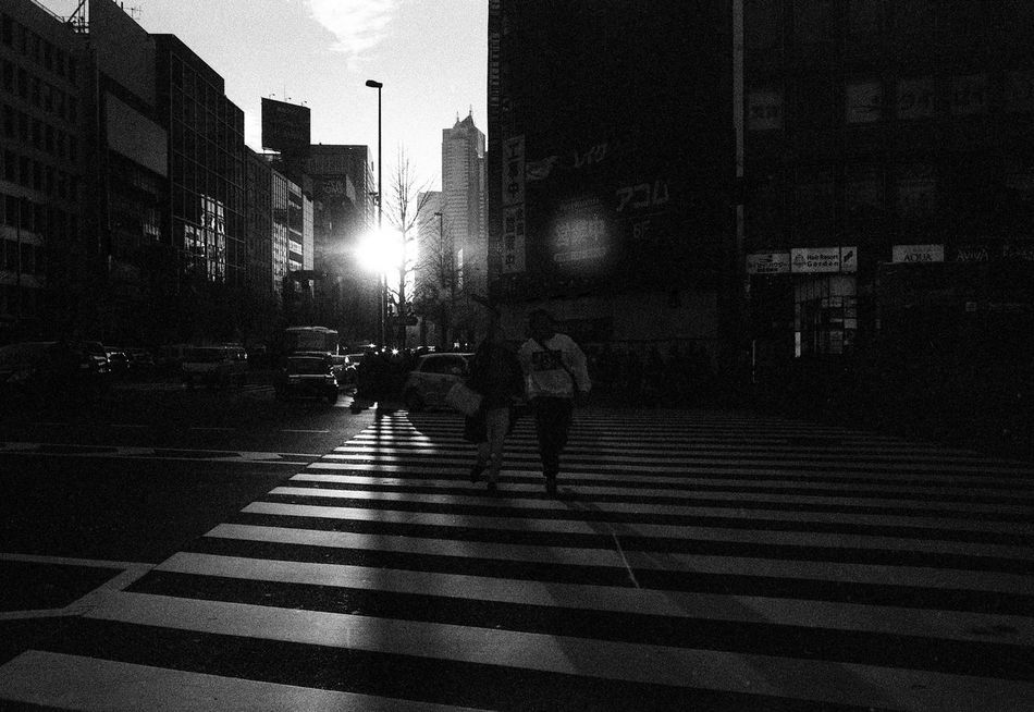 Japan 006 Japan Blackandwhite Japan Photography Tokyo Tokyo,Japan EyeEm Leicam6 Leicacraft Leicam Ishootfilm Leica Streetphoto_bw Black And White Photography Filmphotography Street Photography Black And White Filmisnotdead People Of EyeEm Believeinfilm EyeEmMalaysia Streetphotography People