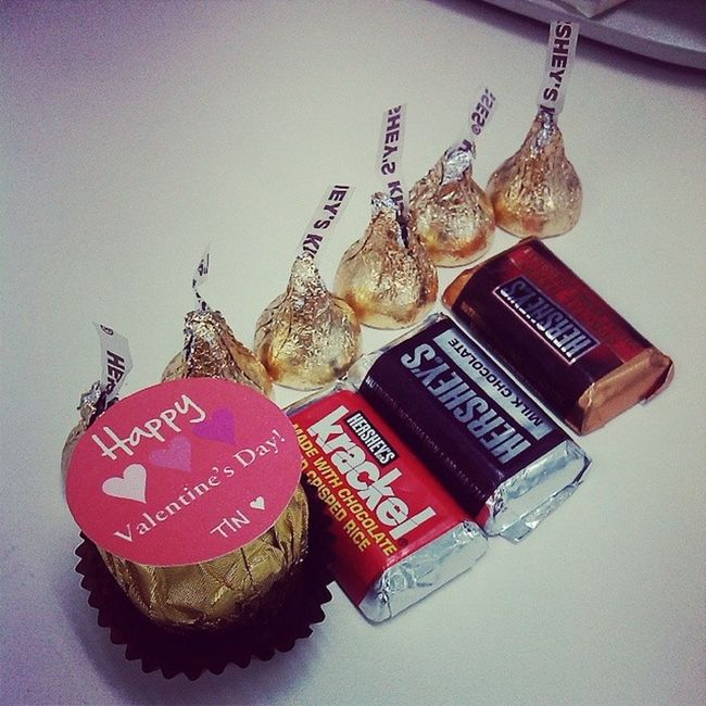 thank you for the chocolates! Happyvalentinesday everyone! ♥♥♥ Food Is 💕