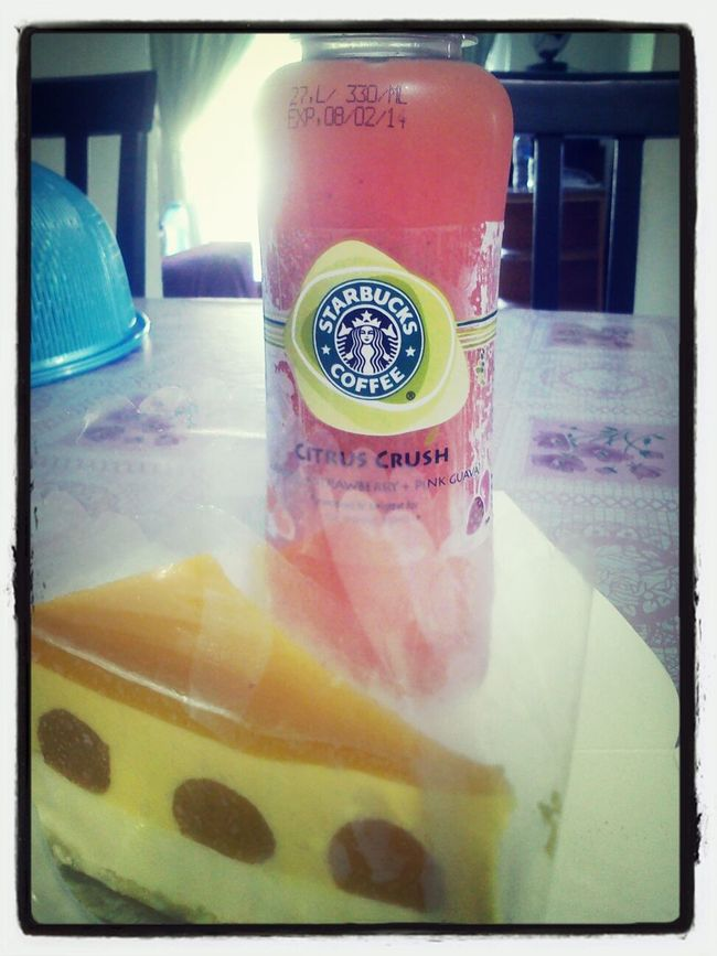 Late lunch, Starbucks' citrus crush & mango mousse cake from Vivo. Enjoying A Meal Food Porn In My Mouf Ilovefood