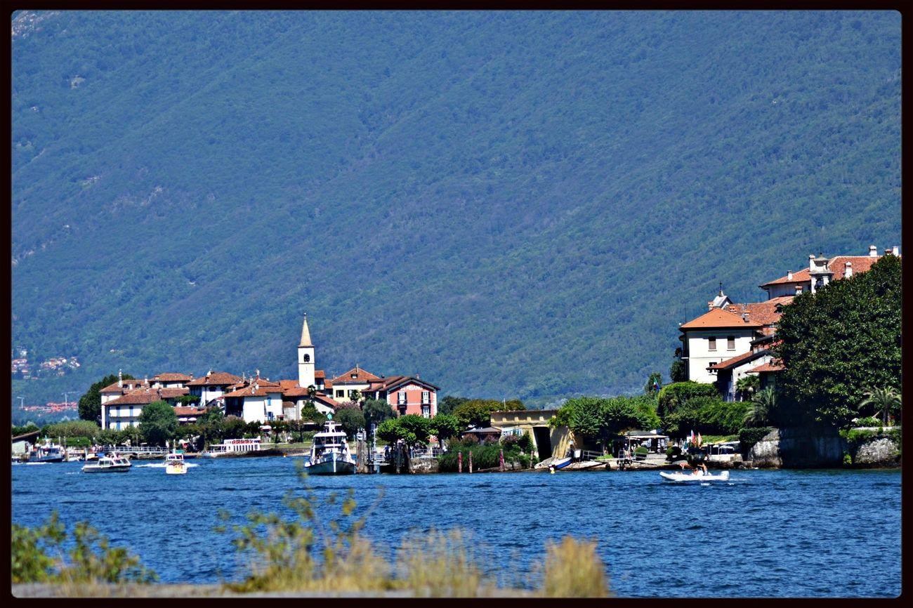 In the back l'isola dei pescatori ( Fisherman's Island ) Lago Maggiore
