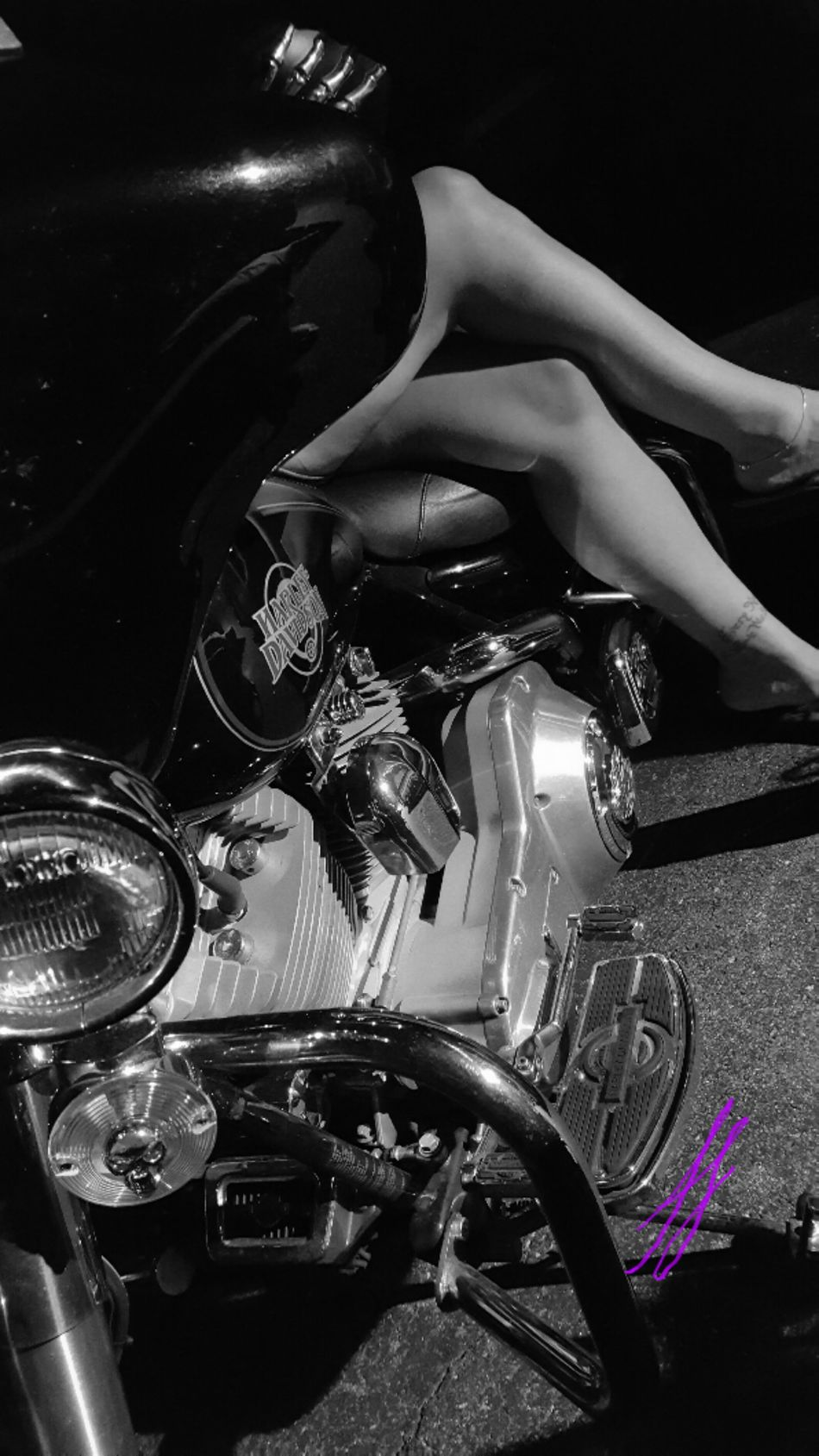 Legs Harley Davidson Harleydavidson Check This Out Beautiful ♥ That's Awesome HarleyDavidsonMotorcycles Taking Photos Angles Legs_only Vavavoom Ladyonwheels Harleygirl Legs Legs Legs Black And White Photography Blackandwhite