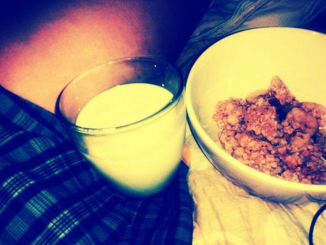 Food Porn Food Muslie Milk