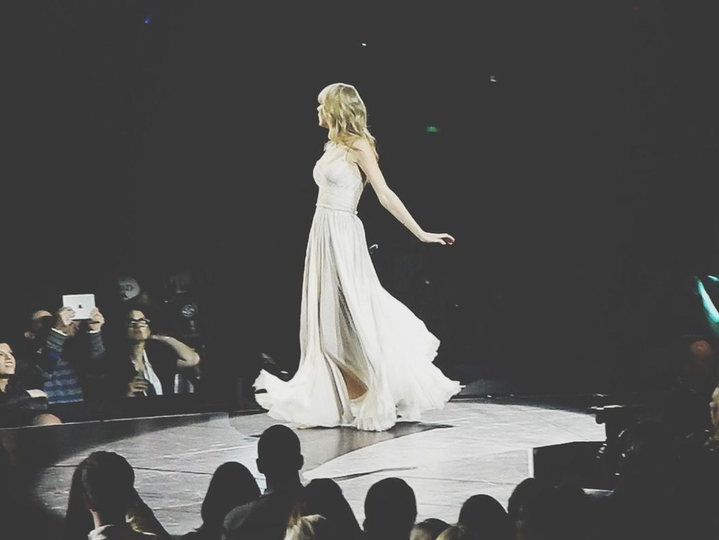 Taylor Swift RED Tour Concert Check This Out