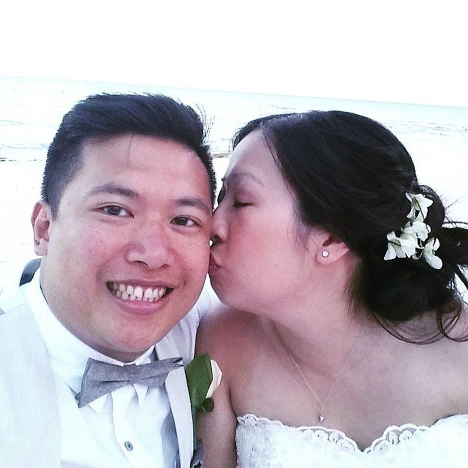 Happiest guy alive Barceló Mayapalace Rwandco Married Beachwedding Rwco