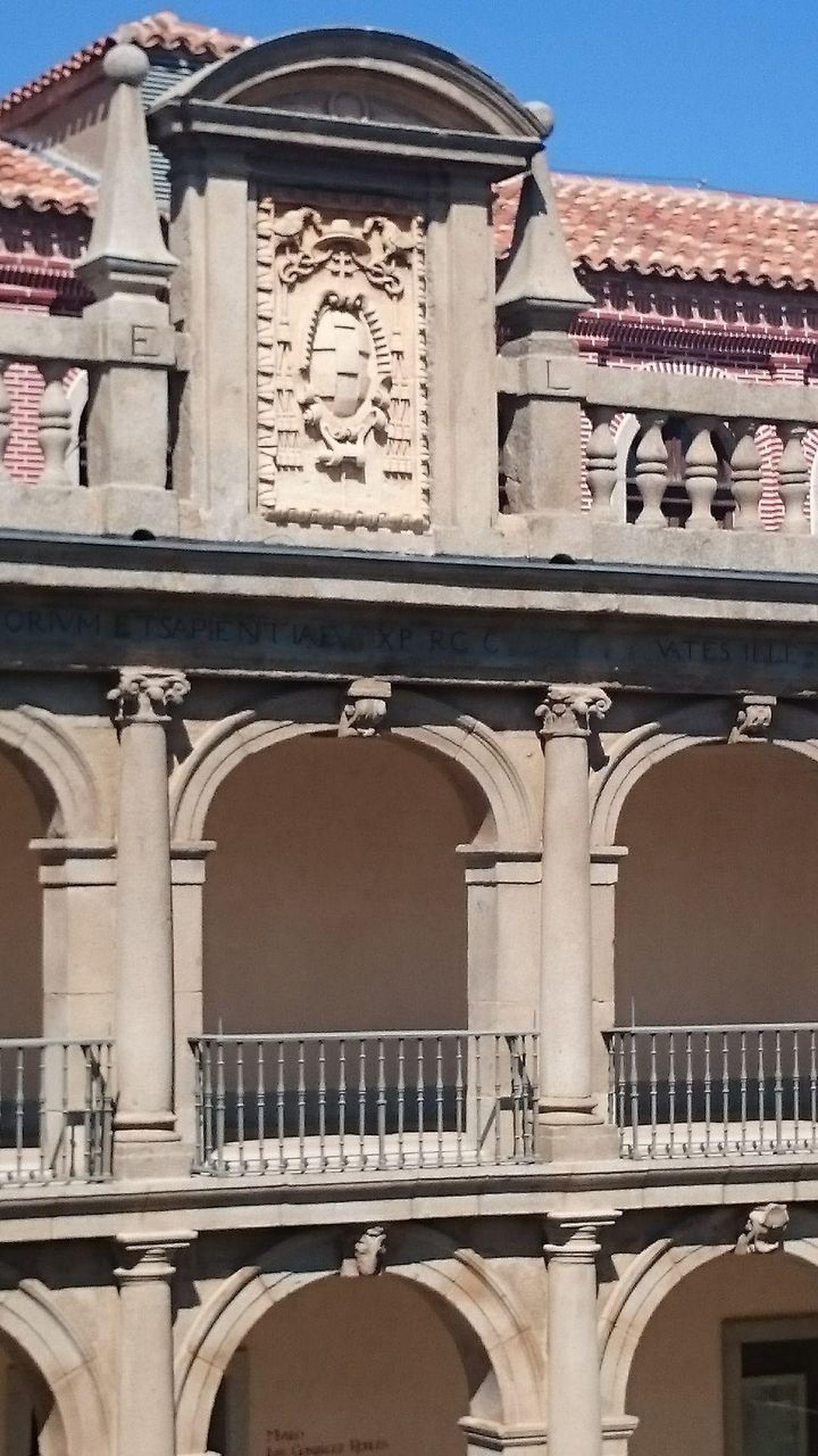 Universidad De Alcala De Henares. Université De Alcalá De Henares Universidad University Universität  Università  Historical Building Historia Studying Historic City Historic Building Showcase March