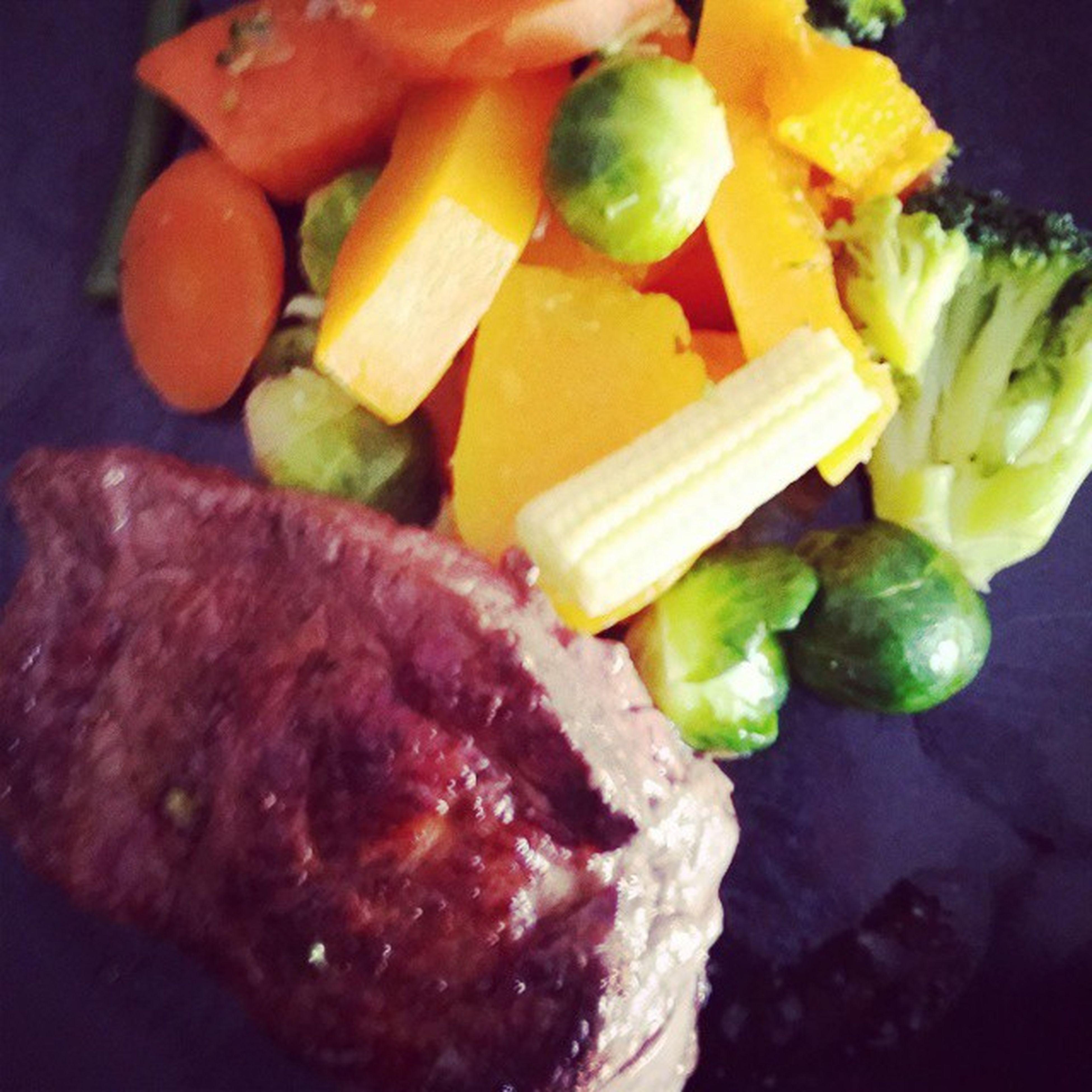 SteakCookedInCoconutOil Sweetpatato Butternutsqaush Broccoli Sprouts Eatclean
