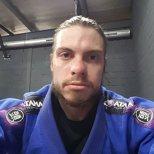 Lunch time is BJJ time. Very intense training session. We went all berimbolo today 🙃 Osss Bjj JiuJitsu Berimbolo Training Trainhard Beginner Exhausted Progress Train Brasil Workoutdone Gi Whitebeltbjj Whitebelt Fun Athlete Martialarts Martialartist Experience Arigaloteam Blogger_LU Happy Yogadudes Fitnesslifestyle  FitnessFreak fitness nofilter atama kimono sweaty