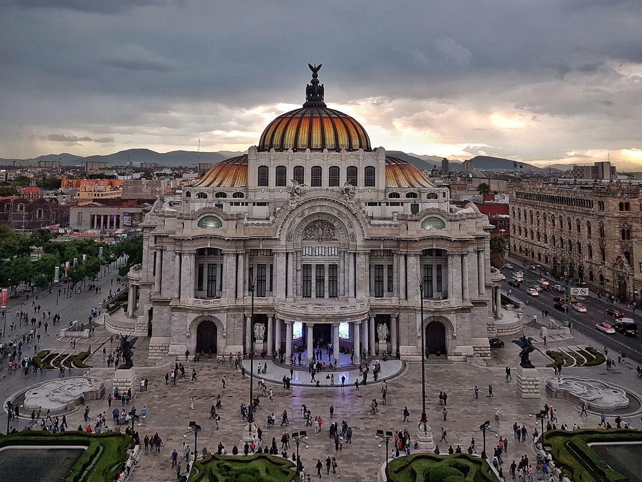 Palacio de Bellas Artes. Ciudad de Mexico, Mexico GalaxyS7Edge | 4.2mm equiv 26mm | 1/100 sec | f/1.7 | iso 64 Wanderlust Cdmx