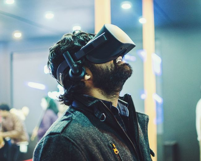 One Person Technology One Man Only City Close-up People Indoors  Miles Away Lieblingsteil Adapted To The City Virtual Reality Virtual Virtual Reality Simulator Virtual Reality World Virtual Reality Shot Uniqueness TCPM