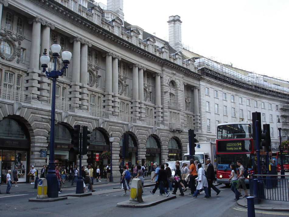 London street British EyeEm EyeEm LOST IN London LONDON STEET London Streets Road Travel Briton Day Outdoors Street Street Photography Streetphotography