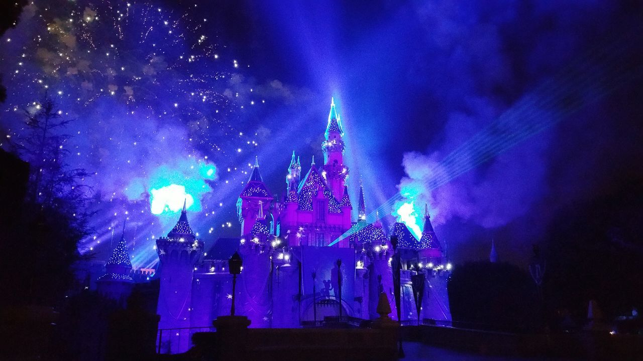 Disneyland Disneyland Forever Disneyland Forever Fireworks Diamond Celebration Disneyland Diamond Celebration Sleepybeautycastle Sleeping Beauty Castle Castle Fireworks