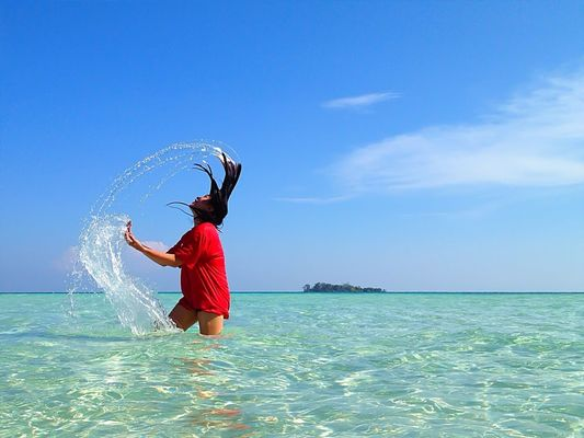 Fresh and clean at Kepulauan Karimun jawa by Gun HP