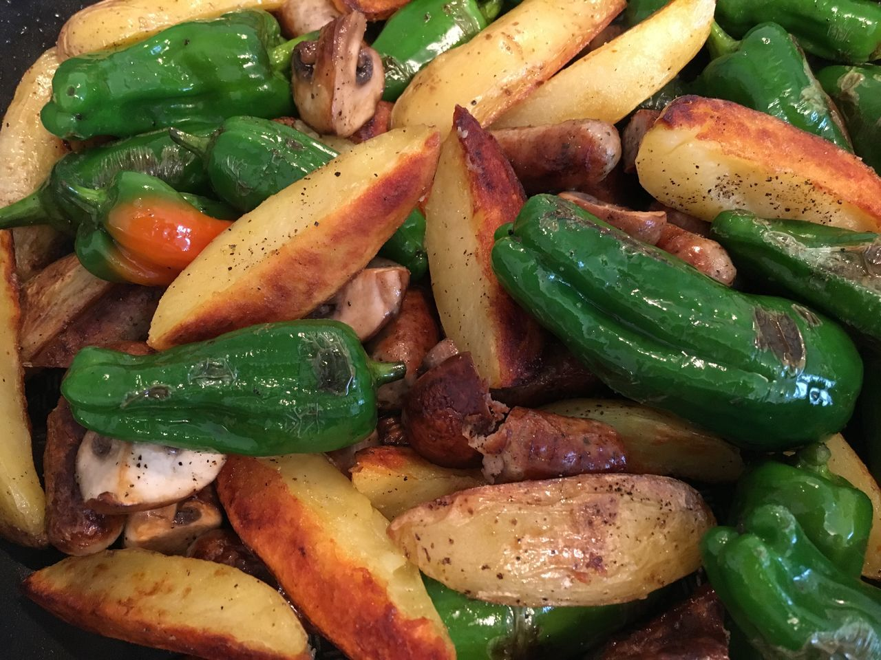 Pan-cooked meal Backgrounds Champignon Food Food And Drink Full Frame Green Color Healthy Eating Mushroom Pan Pepper Pimientos De Padron Ready-to-eat Roasted Potatoes Sausage Vegetable