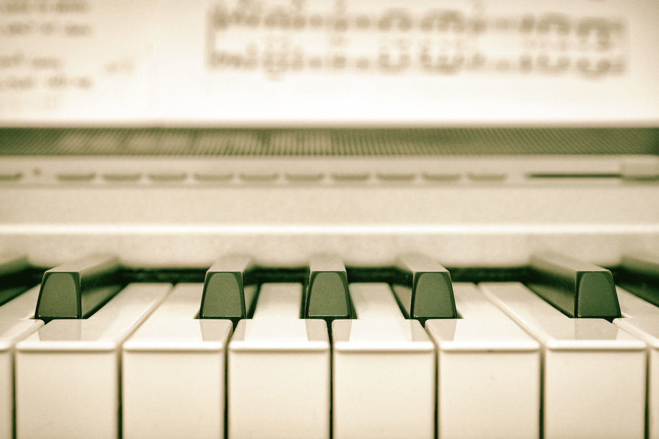 Close-up Drastic Edit Exceptional Photographs EyeEmNewHere First Eyeem Photo Hello World In A Row Indoors  Keyboard Keys Low Section Macro Music Music Brings Us Together Music Instrument Music Is My Life Music Photography  Musical Instrument No People Piano Piano Key Piano Keys Piano Moments