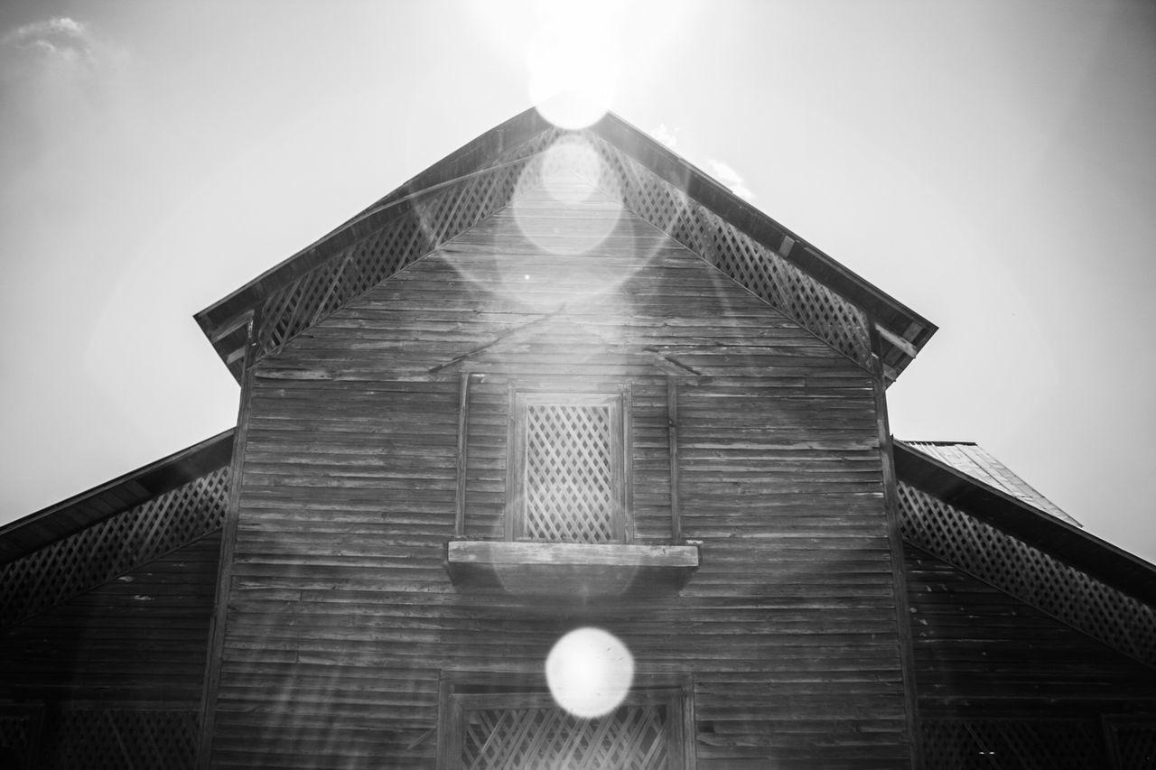 Architecture Barn Black & White Black And White Black And White Photography Blackandwhite Blackandwhite Photography Built Structure Day Farm Infrared Infrared Photo Infrared Photography No People Sky