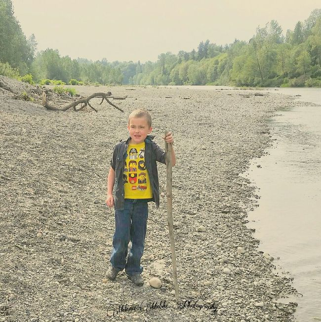 Beachphotography Children Portraits Children Playing On Beach Vacation Playingwithastick Myhandsomeboy Myhandsomeson Creekside Creek Fun Green Nature Hello World Washington State Boys Will Be Boys Arlington  Kids Photography Mom Taking Photos Outside Photography Outside The City Taking Photos Check This Out Milenamulskephotography The Great Outdoors - 2016 EyeEm Awards