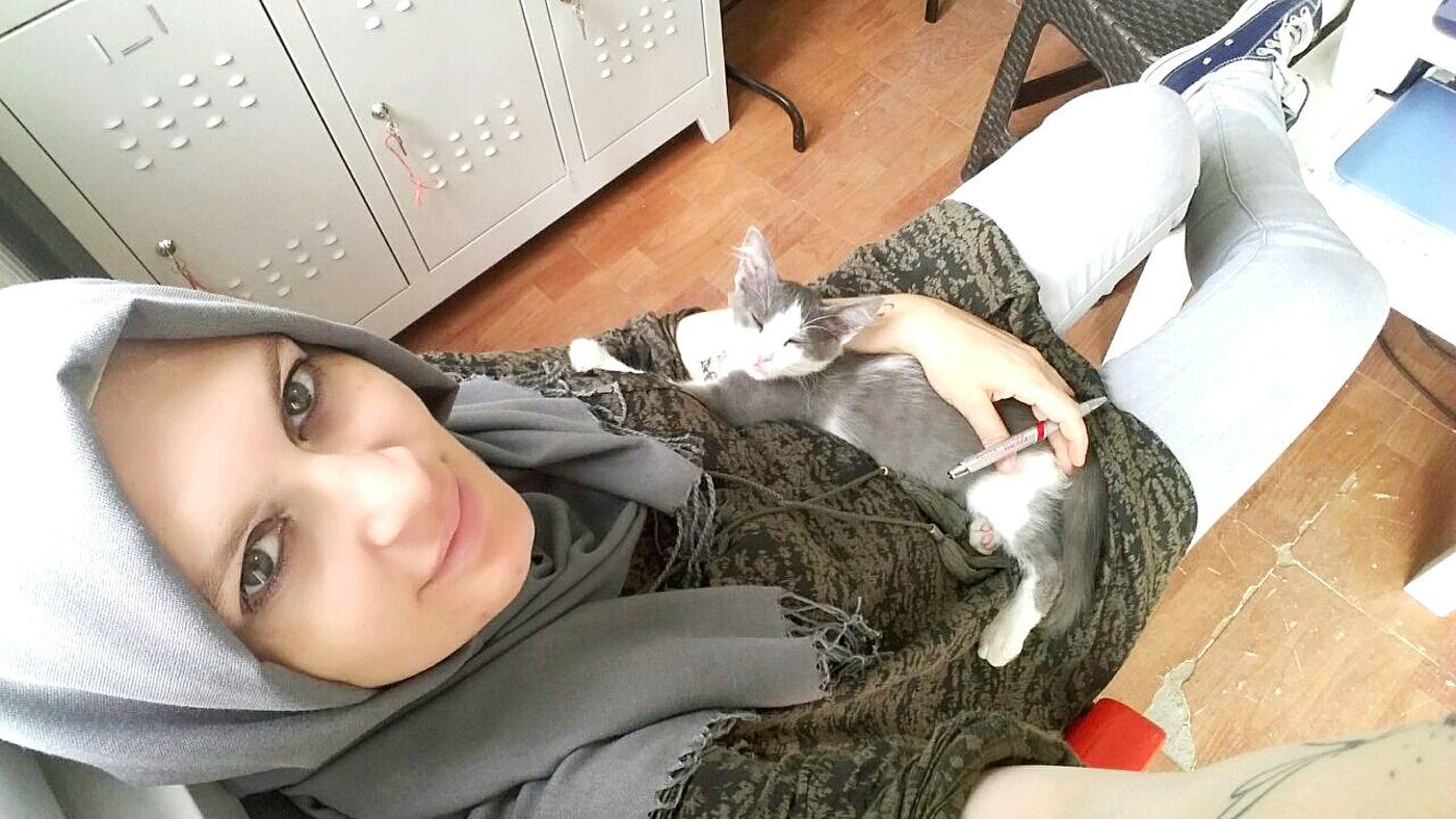 Woman Selfie Turkishwomen Faces Of EyeEm Hijab Women Of EyeEm First Eyeem Photo Turkishfollowers Cats
