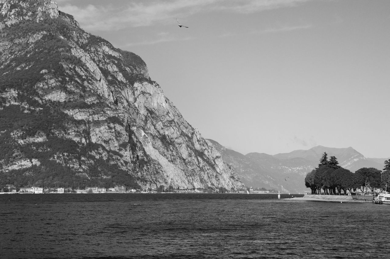 Black & White Black And White Blackandwhite Blackandwhite Photography Day Houses Italia Italy Italy❤️ Italy🇮🇹 Lake Leaves🌿 Lecco Lecco By Night Lecco Lake Leccocity Leccolake Leccomilano Leccomountains Mountain View Mountains No People Outdoors Tower Towers EyeEmNewHere