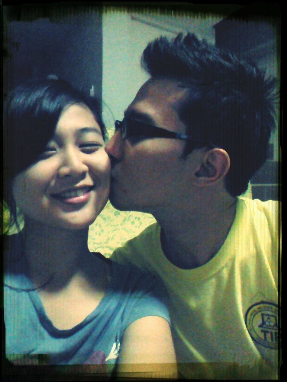 a peck on the cheeks Loveydovey <3