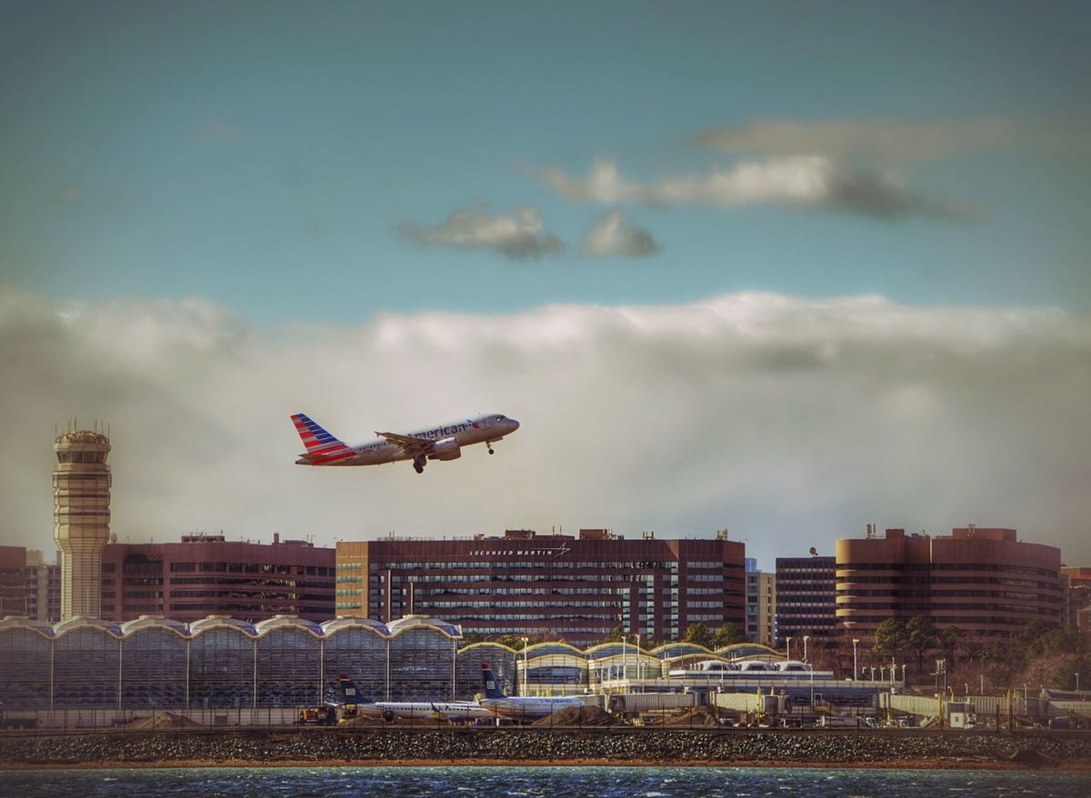 It just gets better Sunshine Airplane TakeOff Take Off Airport At The Airport Lunch Time! Lunch Break Winter Cityscapes