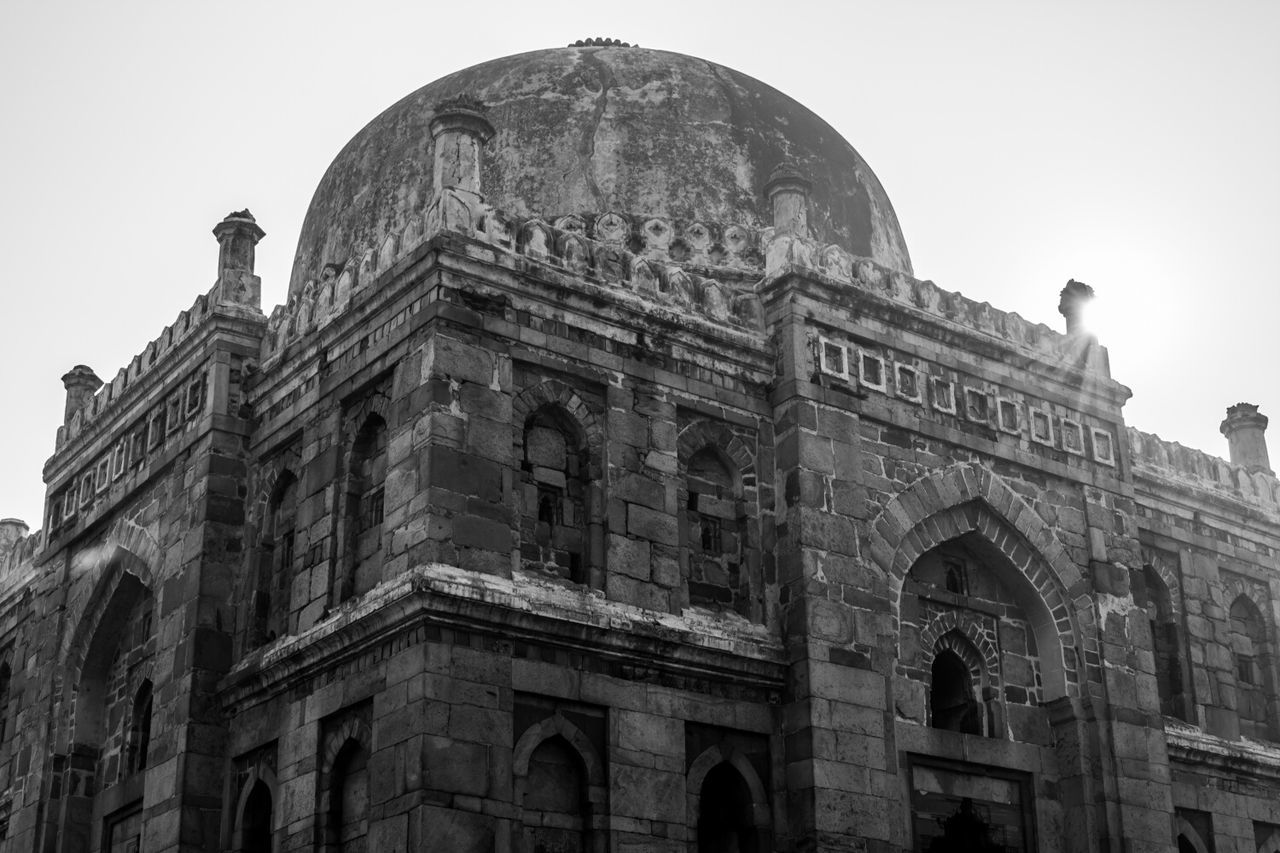 architecture, building exterior, history, arch, built structure, the past, travel destinations, low angle view, outdoors, dome, tourism, ancient, day, no people, sky, ancient civilization
