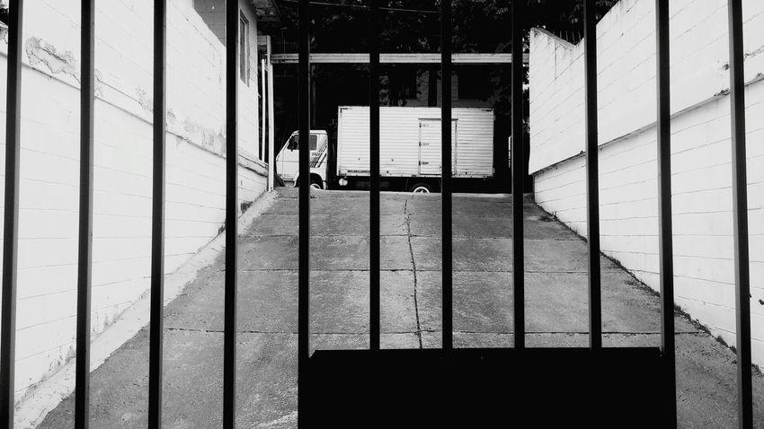 Garage Garagem Nosun Semsol Nublado Bw Blackandwhite