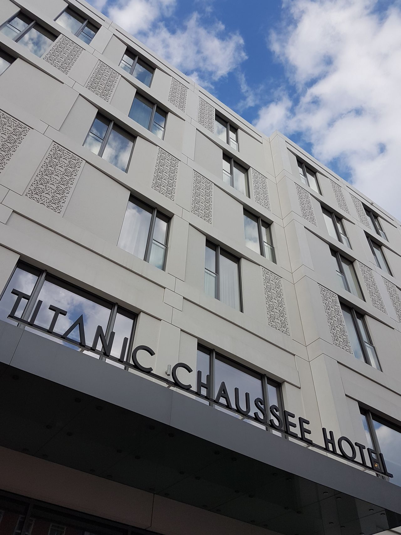 This'll do for tonight in Berlin. ;-) ⇢ Titanic Chaussee Hotel [Sweet Deal via HotelTonight]