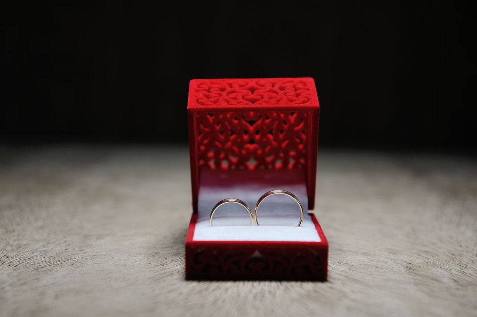 Beautiful stock photos of hochzeit, Box, close-up, forever, gold