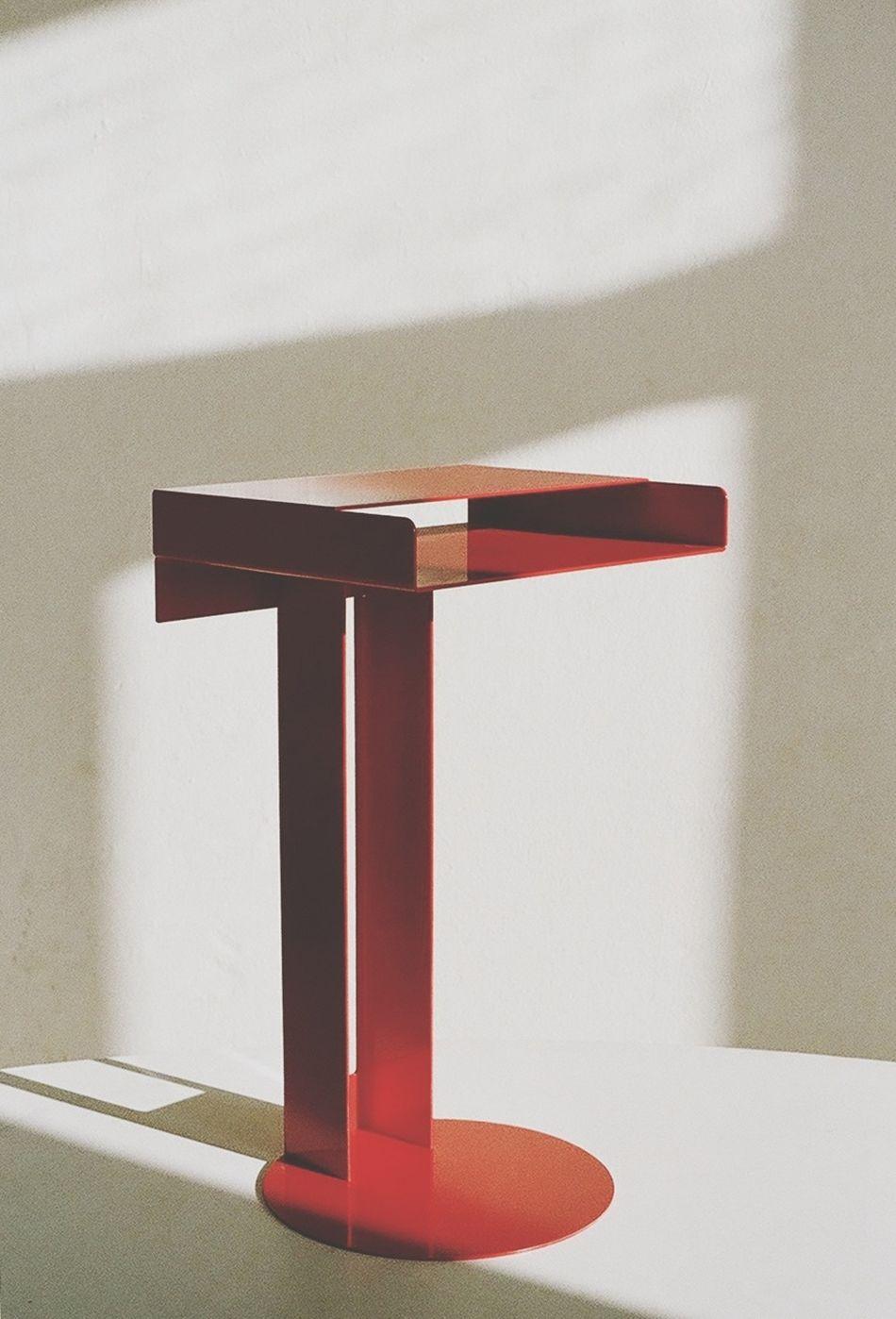 www.newtendency.de/meta Meta Side Table