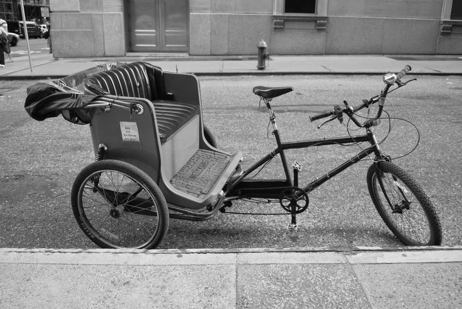 New York City Architecture Bicycle Bicycle Basket Building Exterior City Day Land Vehicle Mode Of Transport No People Outdoors Stationary Street The City Light Transportation