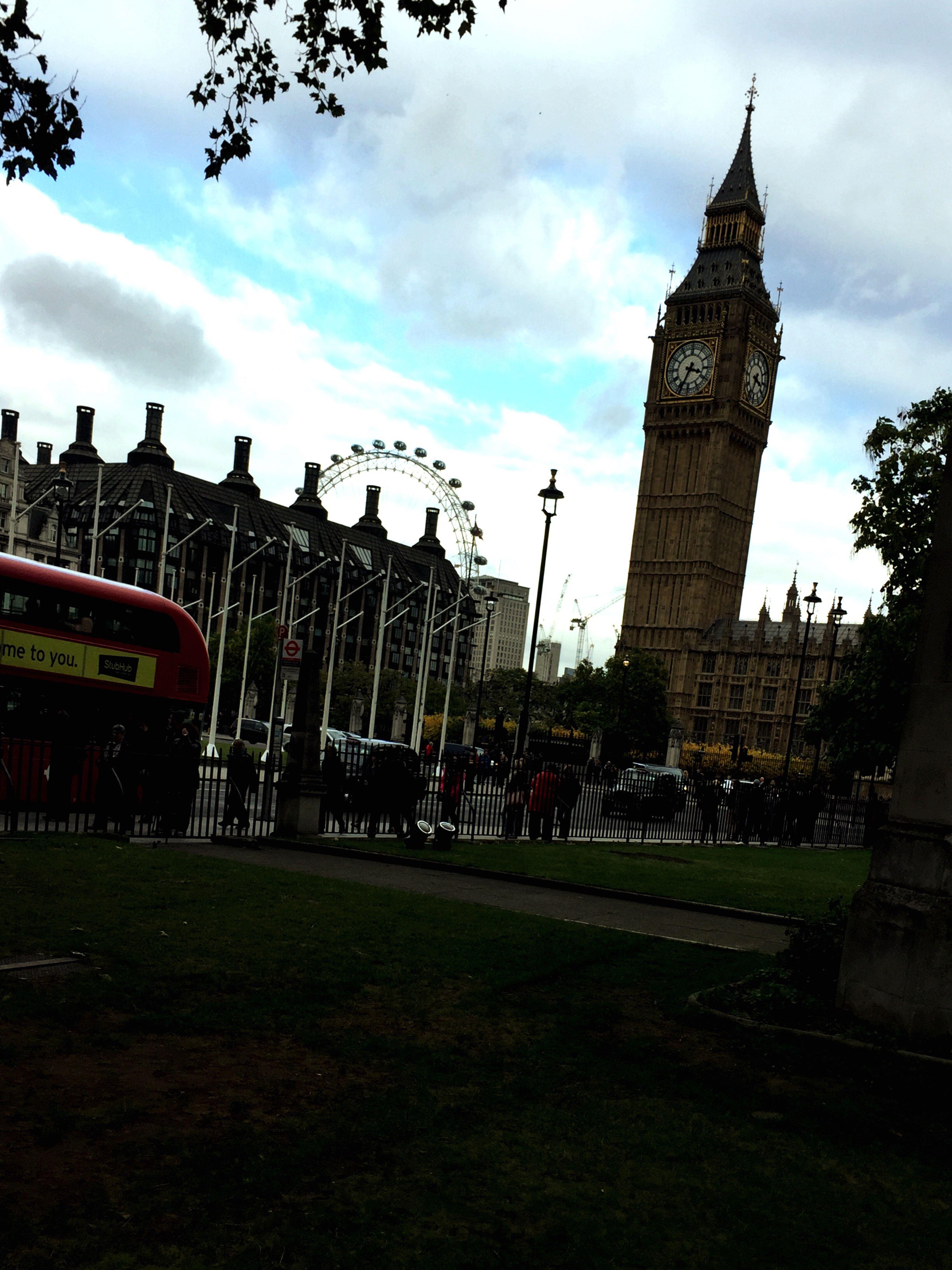 Big Ben,London aye, bus