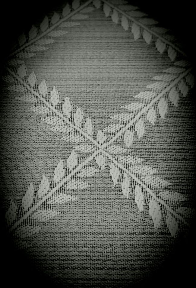 Textured pattern Pattern Texture Leaf Motif Leaf Patterns🍂 Textile Diamond Pattern Blackandwhite Monochrome Pjpink Eye4photography  EyeEm Crossed Lines Crossed