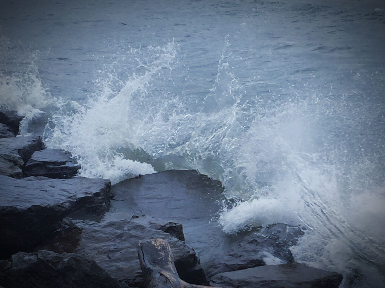 motion, power in nature, water, sea, wave, beauty in nature, nature, no people, outdoors, scenics, day, force, crash, sky