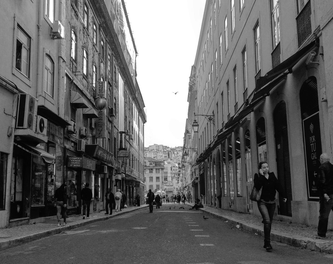 Lisboa ao Fundo Street Photography Bw_collection Avenue