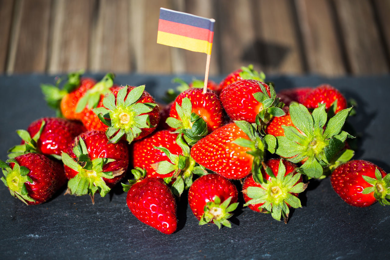 strawberry, red, freshness, fruit, food and drink, food, sweet food, no people, focus on foreground, close-up, healthy eating, day, outdoors, ready-to-eat