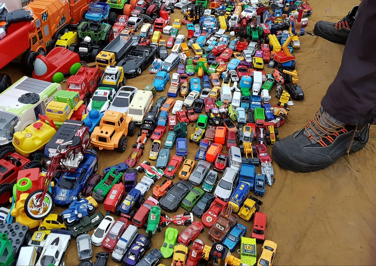 Market For Sale Fleamarket Flea Markets Flea Market Fleamarkets Second Hand Market Brocante Second Hand Cover Background Toys Old Toy Old Toys Car Toy Car Toys Toy Car Toy Cars Toy Car Collection