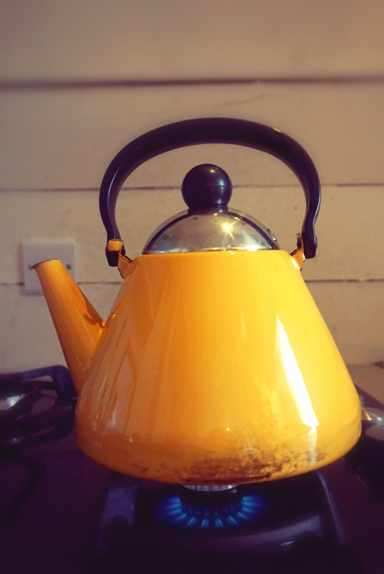 Teapot Teapot Shot Yellow Flame Whistling Kettle Tea Time For Tea Time For Yourself Yorkshire Tea Brew Cuppatea <3 Relaxation Feelslikehome Glamping Powys Cabancrwn Wales